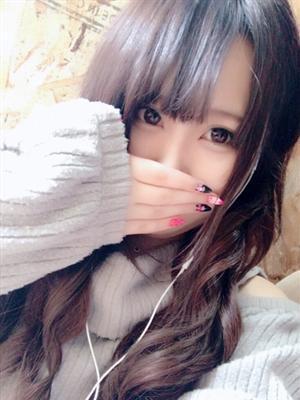 あみ【パイパンロリ系美少女】