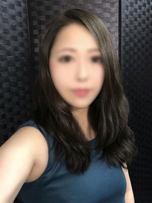 りこ【小柄な綺麗系美女】